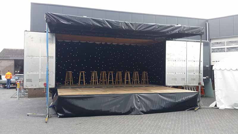 01 Kleine podium